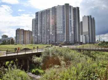 Пешеходная зона рядом с жилым комплексом